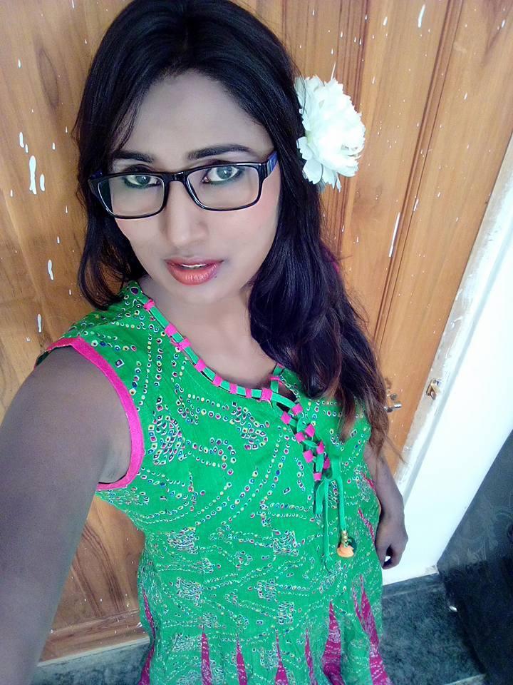 Head Shaved Indians Telugu Actress Swathi Naidu Hot