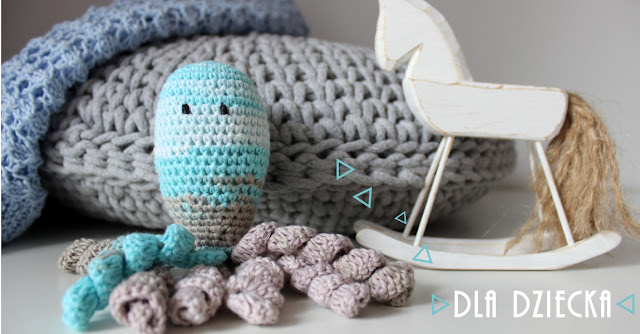 Ośmiorniczka i sweterek dla niemowlaka