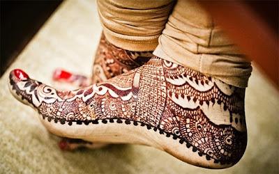 Latest-&-stunning-punjabi-mehendi-designs-2017-for-girls-16