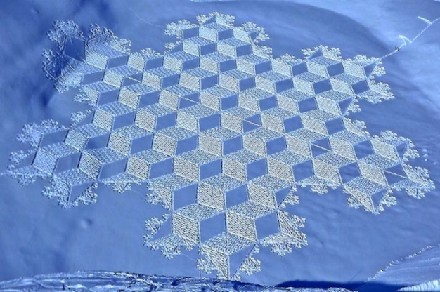 Stunning Snow Patterns by Simon Beck (Snow Art) 1