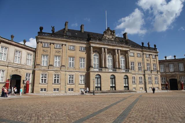 Il Palazzo Reale di Amalienborg Copenhagen
