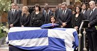Σε λαϊκό προσκύνημα η σορός του Κ. Μητσοτάκη  αναμένουμε να στηθεί και άγαλμα οπως σε κάθε ήρωα της αντίστασης!