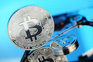 Курс биткойна достиг 2 900 $, в то время как цена Bitcoin Cash устремилась вниз