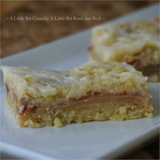 A Little Bit Crunchy A Little Bit Rock and Roll: Apple Pie Bars