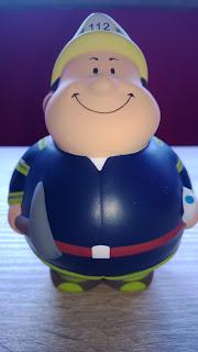 Dieser Stressball sieht aus wie ein Feuerwehrmann