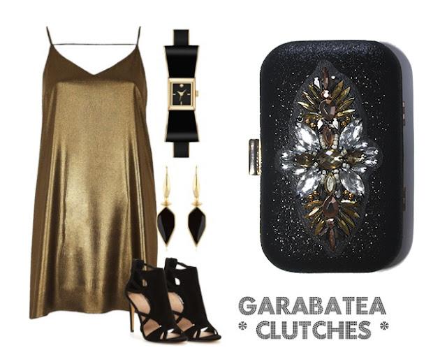 Como combinar un vestido color oro con clutch joya