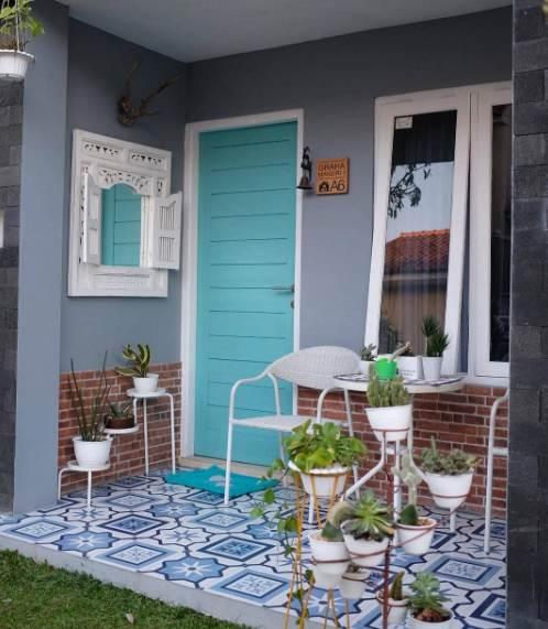 22 Info Spesial Rumah Minimalis Pintu Cat Putih