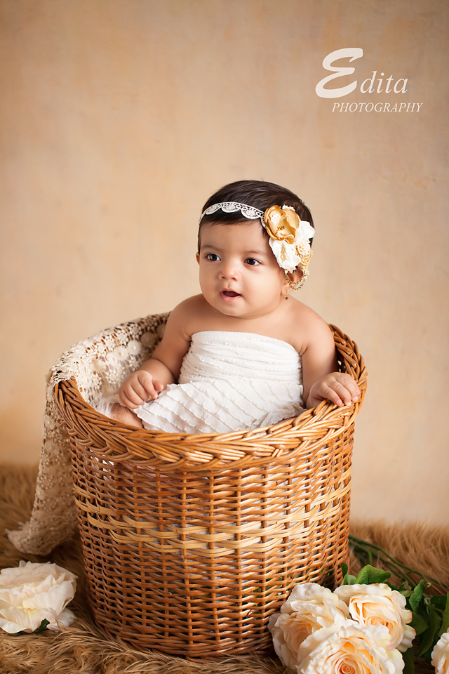 9 month baby photo shoot babies photographer in pune