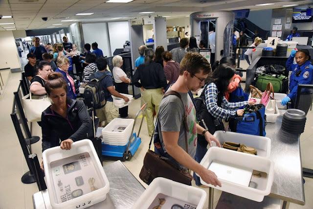 Raio X para bagagens em voos internacionais