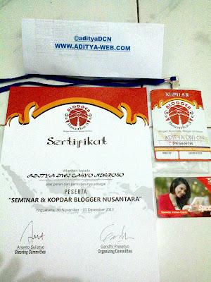 Oleh - Oleh Sertifikat dan Kokarde Blogger Nusantara 2013