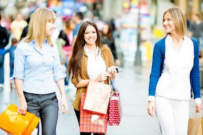 female%2Bshopper%2Bwardrobe%2B2 Wardrobe Tips for Female Commercial/Print Models
