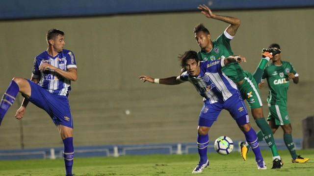 Goiás derrota o Avaí e vai às oitavas de final