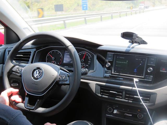 Volkswagen Polo 200 TSI Comfortline - posição de dirigir