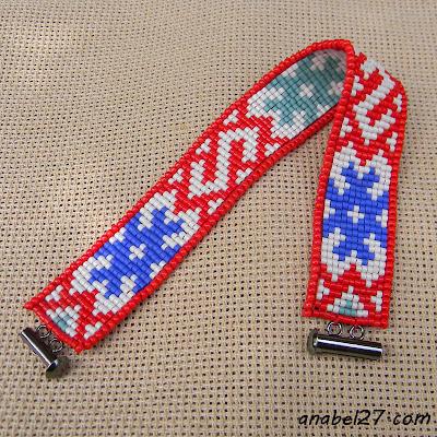 Узкий браслет из бисера с традиционным славянским орнаментом