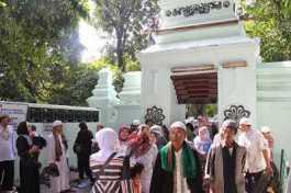 Tips Berwisata Ke Tempat Religi