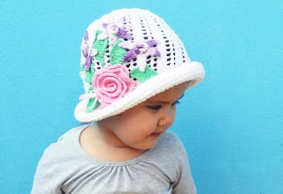 Fazer crochê diverte,tranquiliza e estimula o desenvolvimento psicomotor da criança.