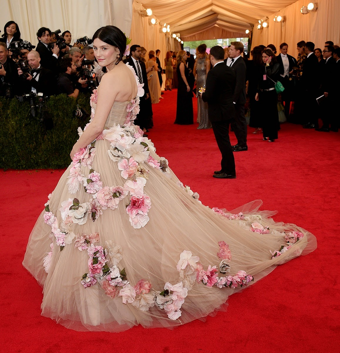 MET Gala 2014, Met Gala, Charles James, New Fashion, Latest Trends, Latest Fashion, Beyond Fashion, Fashion, Designers, Designer Clothes, Tabitha Simmons, Dolce & Gabbana, Fashion Blogger of Pakistan, Fashion online, Dress, Clothing