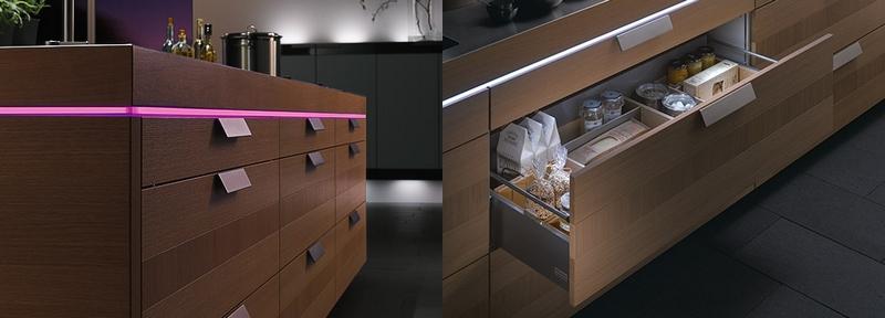 eclairage plan de travail cuisine petite cuisine ouverte avec sol en bois clair et meubles. Black Bedroom Furniture Sets. Home Design Ideas