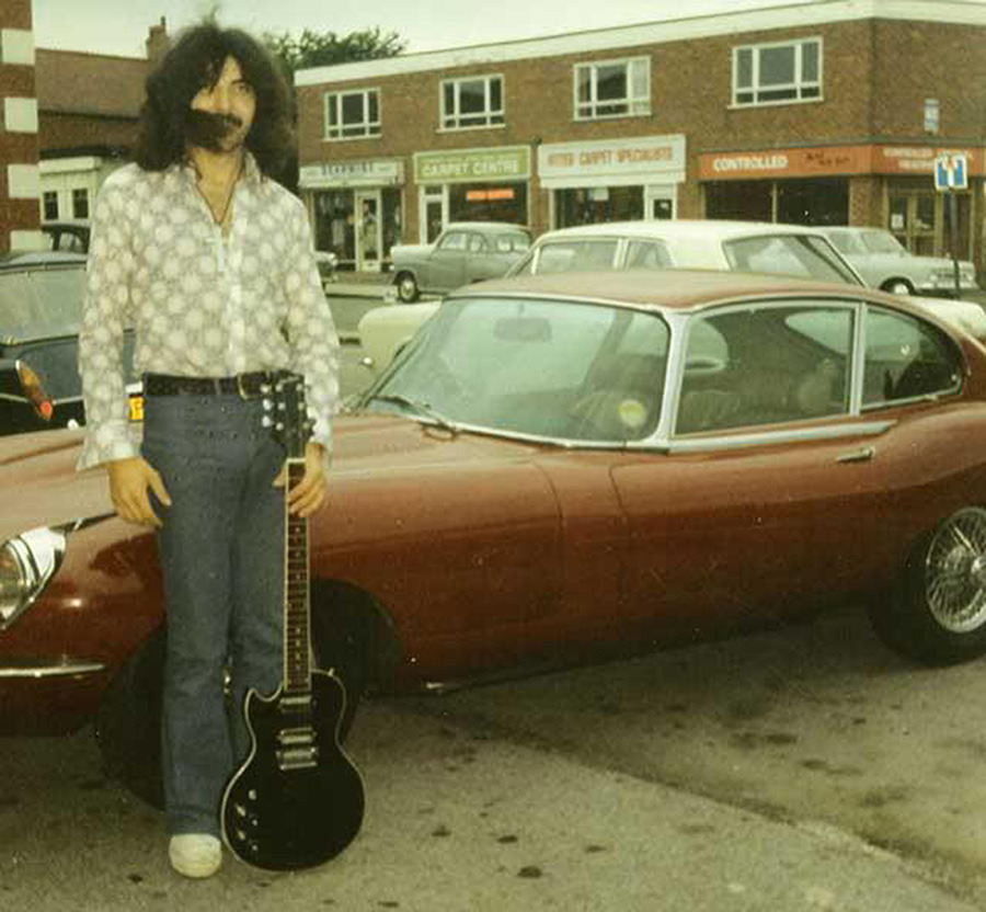 23 Awesome Pictures of Rock Stars Posing With Their Cool Cars ...
