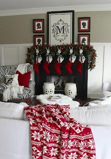 sala navideña roja
