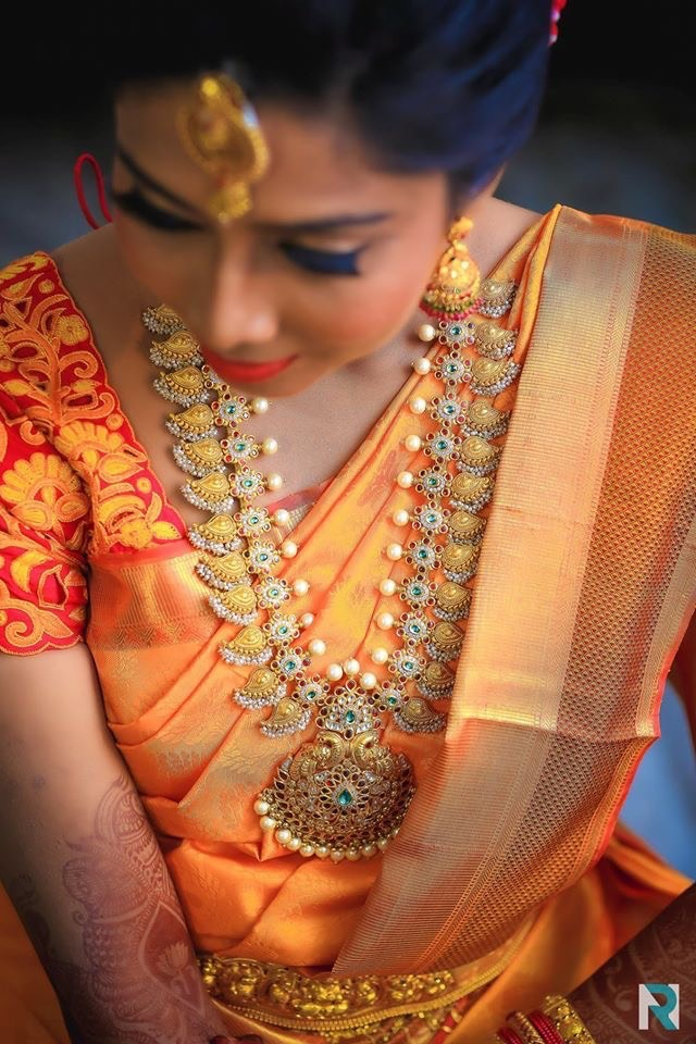 Bride in Pearls Kundan Mango mala