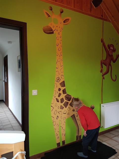 Theo Peint sa Chambre