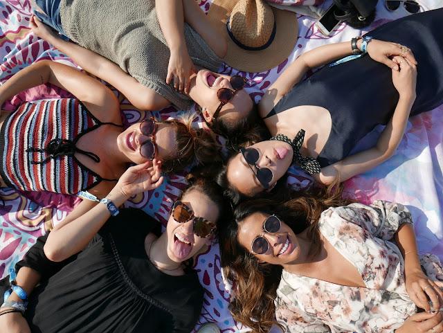 cute girls photo, sunglasses festival snaps, pursuit of shoes, the moptop, melanee shale, bloggers bottlerock