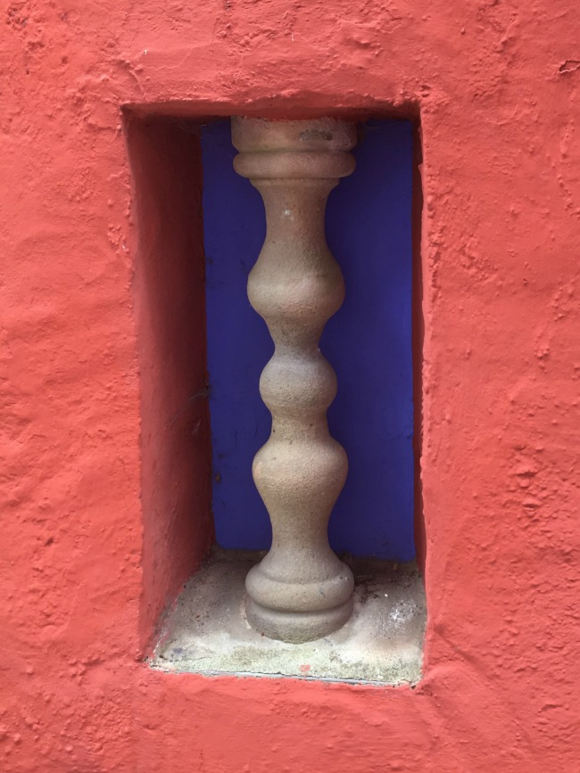 Portmeirion-Wales-detail-twisted-ballustrade-in-alcove