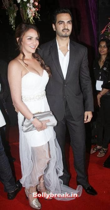 Esha Deol with husband Bharat Takhtani, Which Bollywood Actress Wear the Worst Outfit in Year 2013?