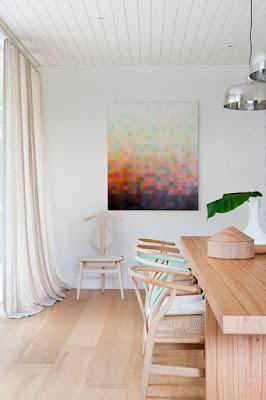 Desain Warna Pastel Untuk Interior Apartemen Bergaya Mid Century