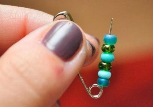 diy safety pins rainbow