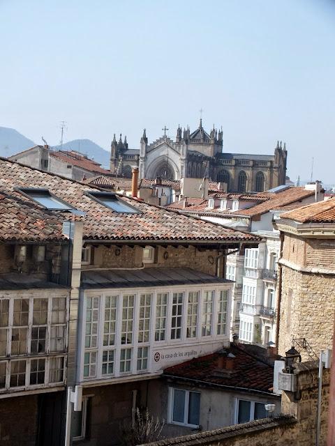 mirador a la Catedral Nueva de Vitoria