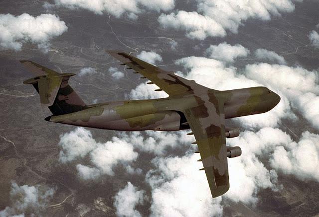 Gambar 36. Foto Pesawat Angkut Militer Lockheed C-5 Galaxy