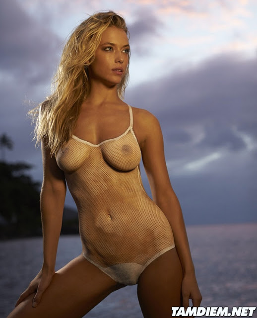 Hot girls Hannah Ferguson sexy body painting 6