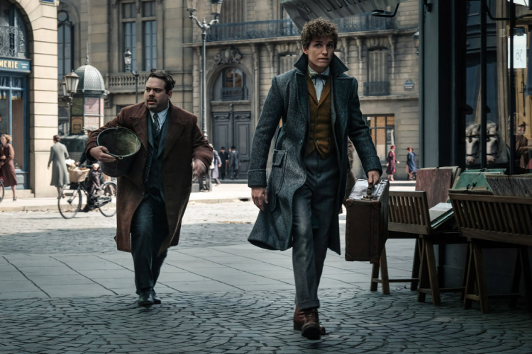 Newt Scamander and Jacob Kowalski in Fantastic Beasts and the Crimes of Grindelwald