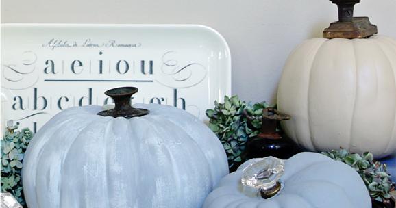 I Love That Junk: Vintage doorknob pumpkins - Finding Home