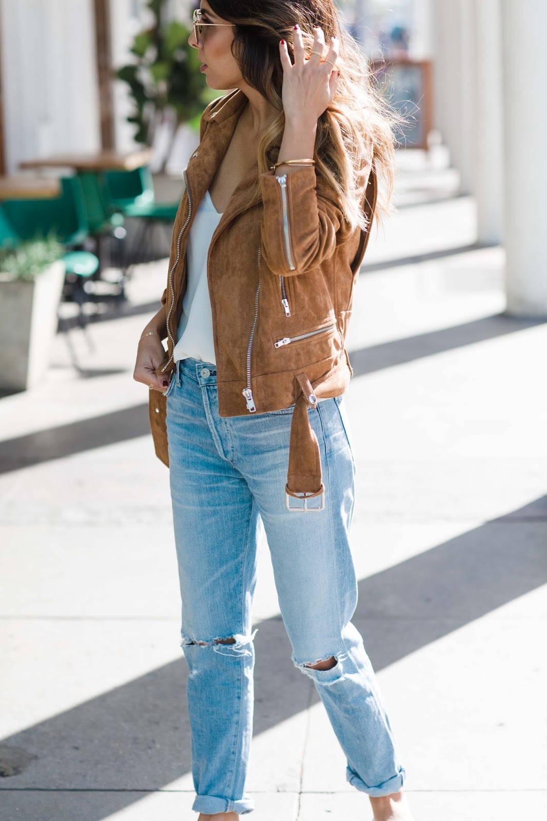 how to style boyfriend jeans, how to wear slides, styling leopard shoes