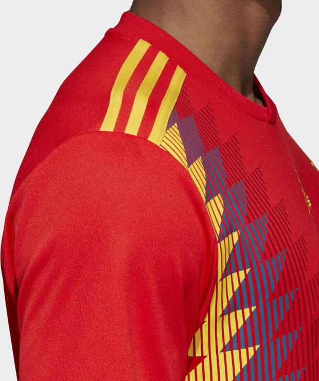 Nova camisa da Seleção da Espanha gera polêmica - Show de Camisas 010aedaba5850