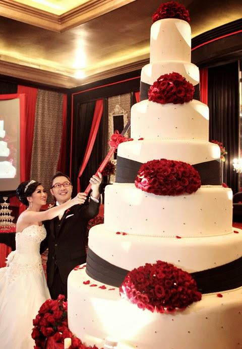 Mẫu bánh cưới đẹp lộng lẫy và cầu kỳ cho tiệc cưới 8