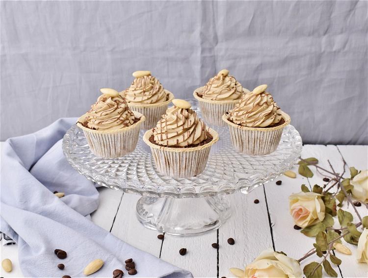 Espresso-Mandel-Cupcakes