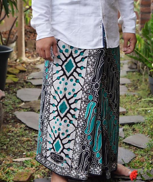 Sarung Batik Aljuwani motif Parang warna hijau