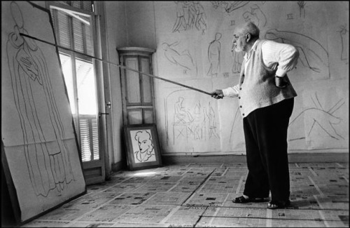 Robert Capa - Henri MATISSE in his studio