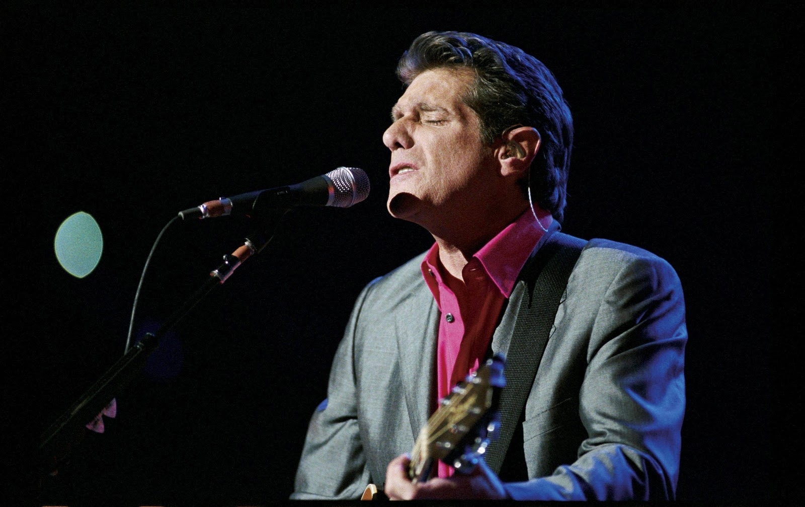 Eagles Guitarist, Glenn Frey dies at 67