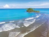 Manisnya Panorama di Pantai Air Manis Sumatera Barat