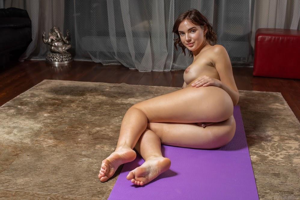 [Met-Art] Oxana Chic - Meditate