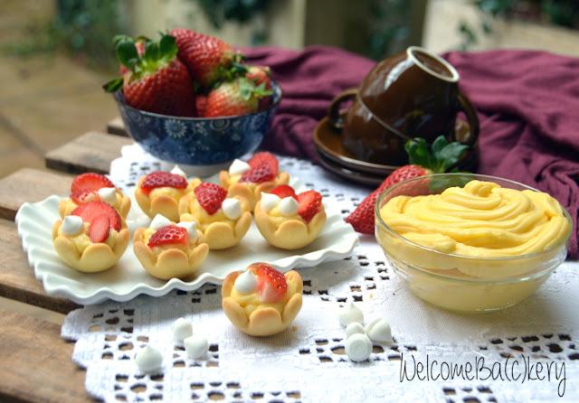 dolcetti con crema e frutta