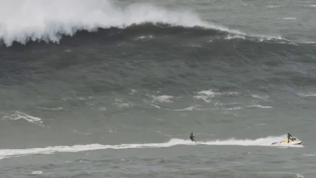 RED BULL MITO - Axi Munian in Nazaré