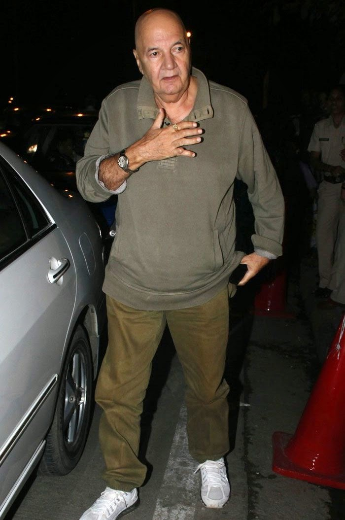 Prem Chopra, Pics from Condolence Meeting of Late Filmmaker Ravi Chopra