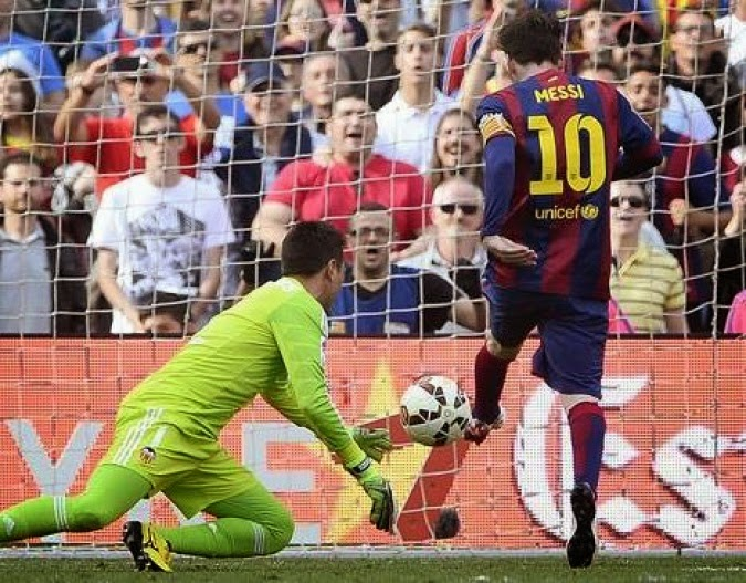Lionel Messi sets a new scoring record with  400th Barcelona goal