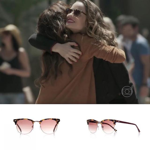 Óculos da Rosa (Carolina Casting) em Além do tempo